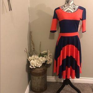 LulaRoe Nicole dress. Size medium. NWT!